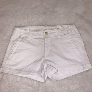 American Eagle White Khaki Shortie shorts